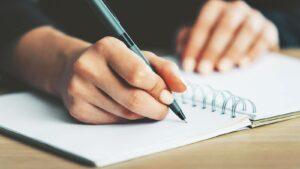 نویسندگی خلاق، یکی از روشهای موفقیت در طراحی شعار تبلیغاتی